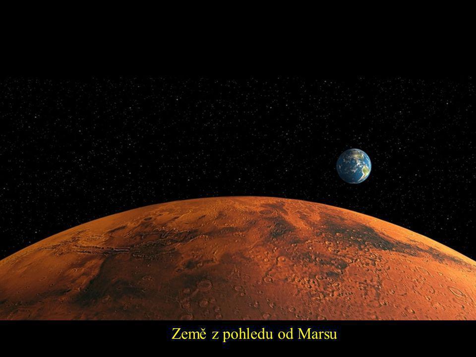 Země z pohledu od Marsu