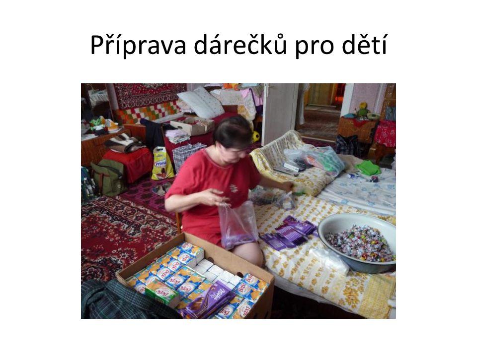 Příprava dárečků pro dětí