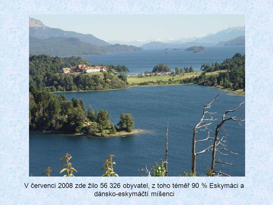 V červenci 2008 zde žilo 56 326 obyvatel, z toho téměř 90 % Eskymáci a dánsko-eskymáčtí míšenci