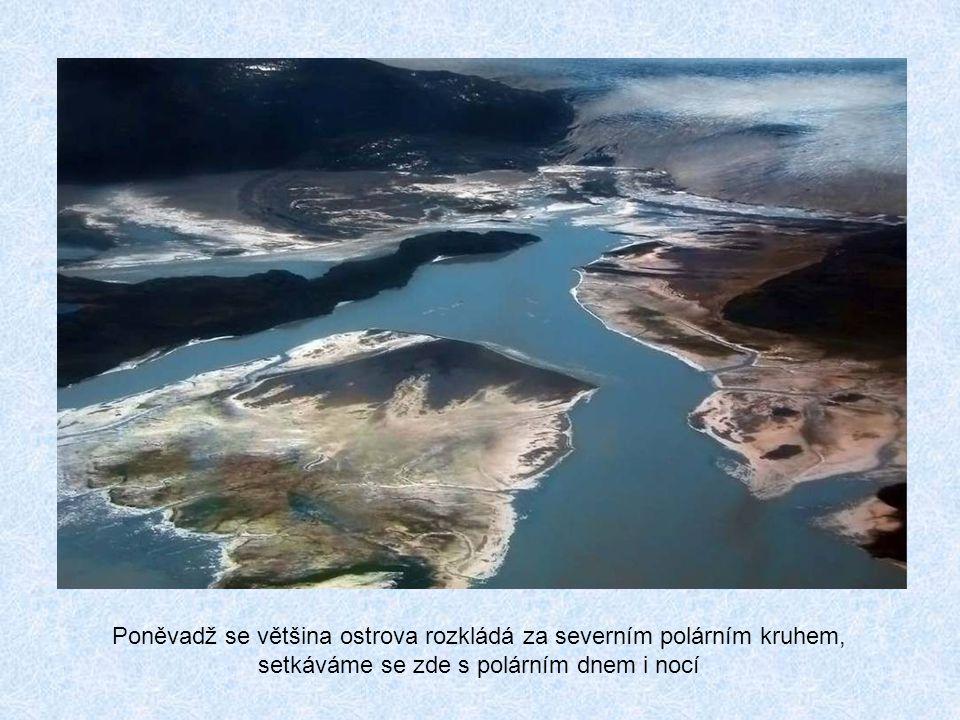 Poněvadž se většina ostrova rozkládá za severním polárním kruhem, setkáváme se zde s polárním dnem i nocí