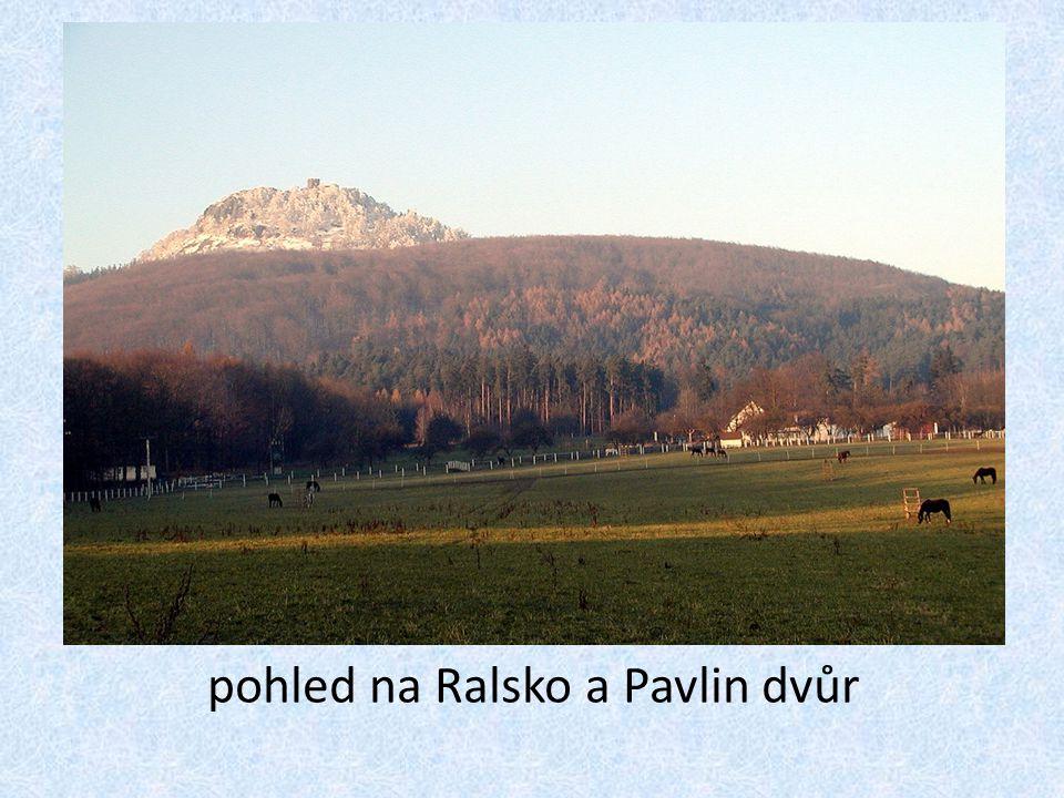 pohled na Ralsko a Pavlin dvůr