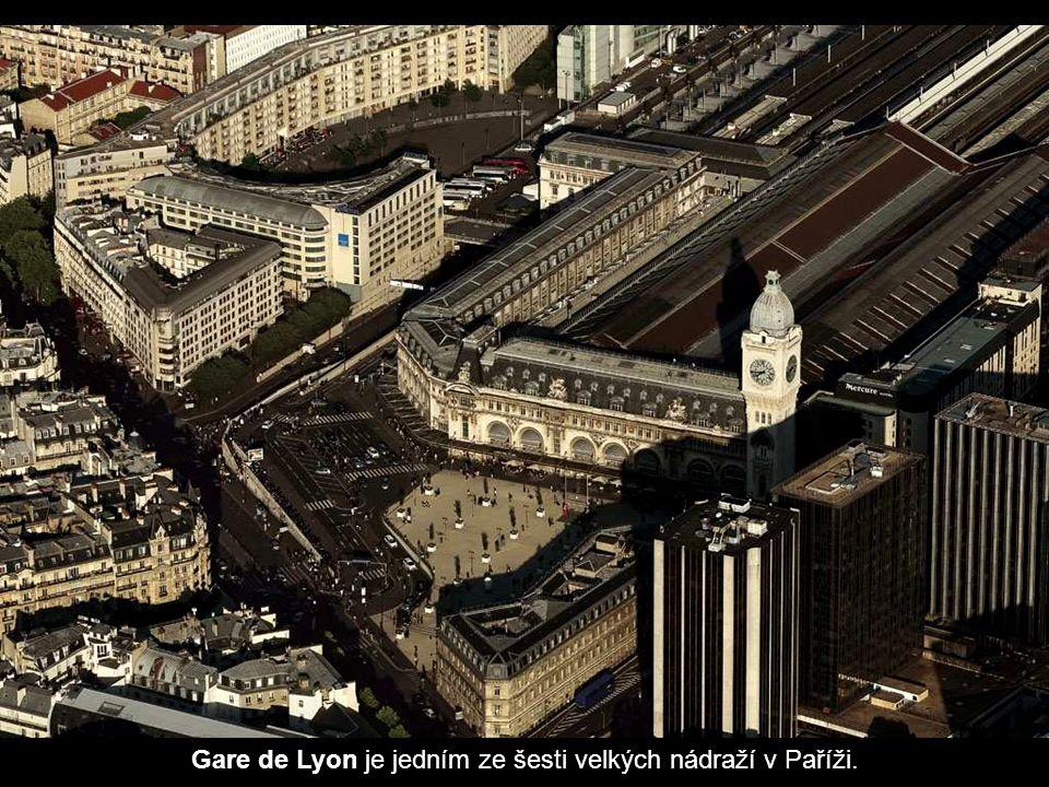 Gare de Lyon je jedním ze šesti velkých nádraží v Paříži.
