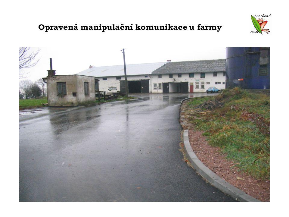 Opravená manipulační komunikace u farmy
