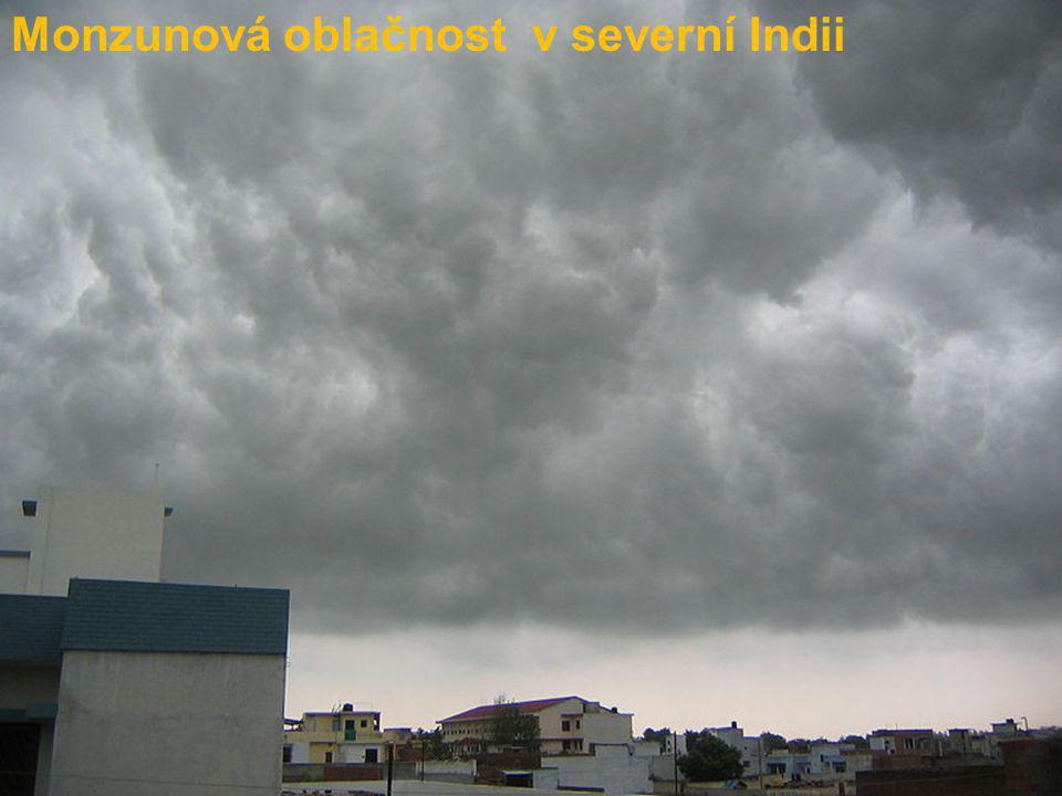 Monzunová oblačnost v severní Indii