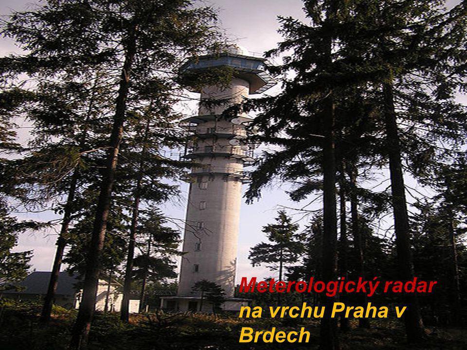 Meterologický radar na vrchu Praha v Brdech