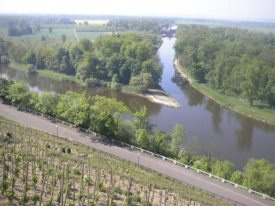 Řeky ČR Vltava – délka toku 430 km – naše nejdělší řeka