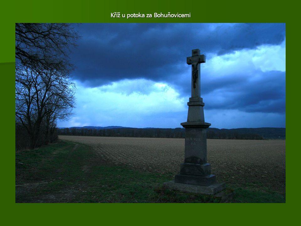 Kříž u potoka za Bohuňovicemi