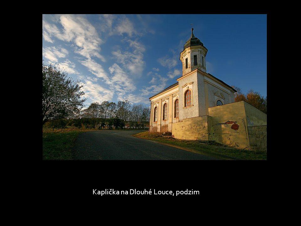 Kaplička na Dlouhé Louce, podzim