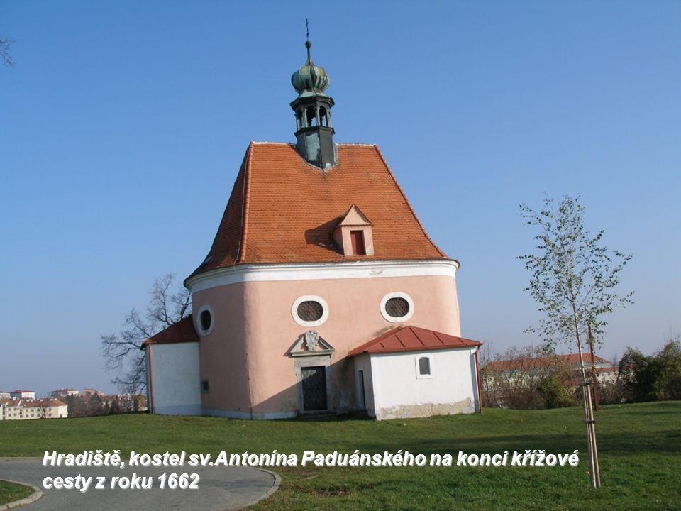 Hradiště, kostel sv.Antonína Paduánského na konci křížové cesty z roku 1662