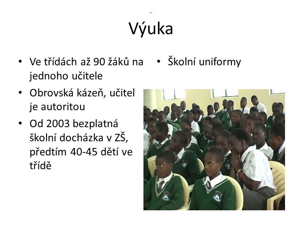Výuka Ve třídách až 90 žáků na jednoho učitele