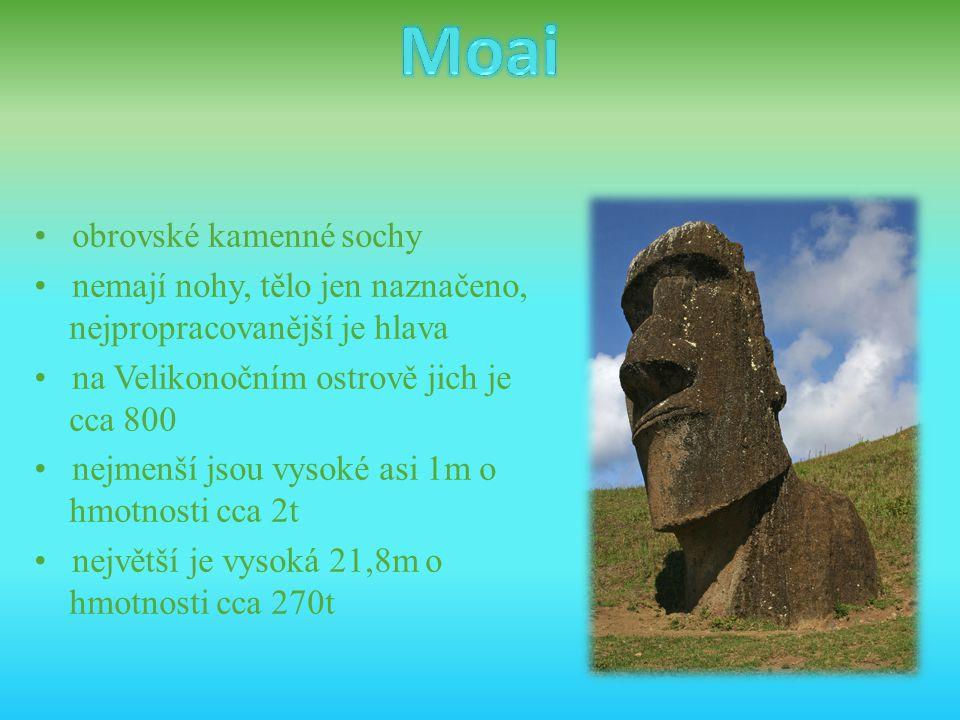 Moai • obrovské kamenné sochy