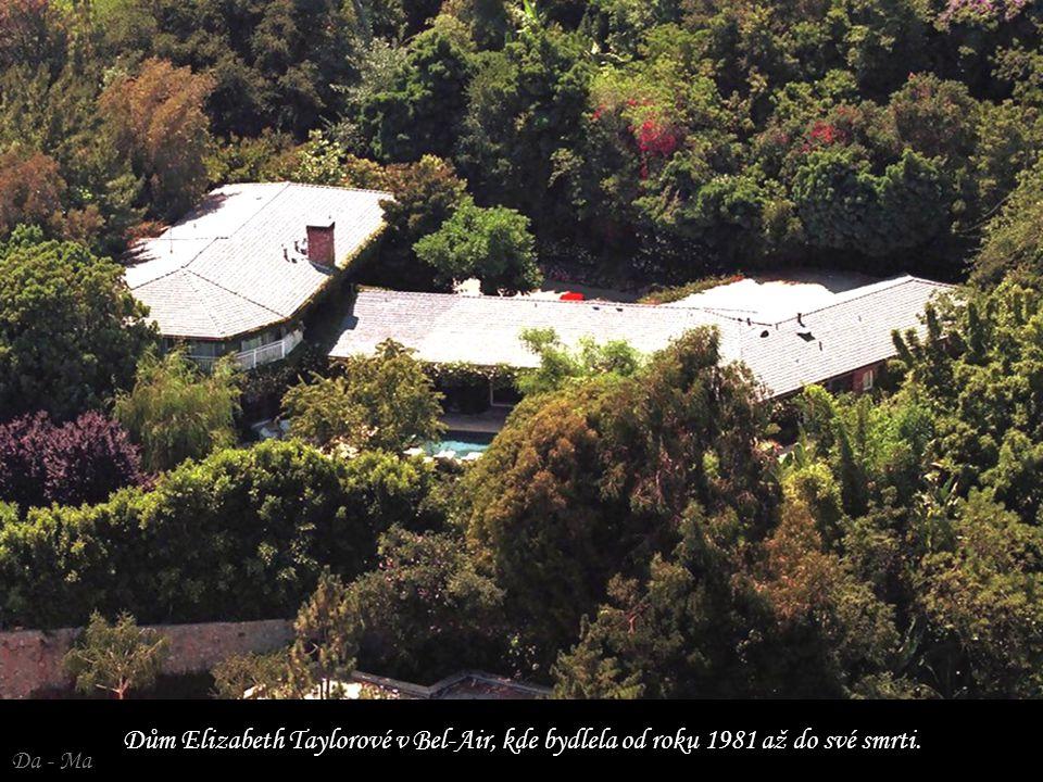 Dům Elizabeth Taylorové v Bel-Air, kde bydlela od roku 1981 až do své smrti.