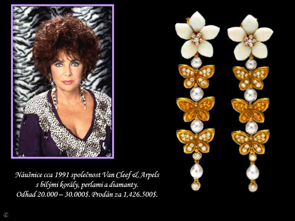 Náušnice cca 1991 společnost Van Cleef & Arpels s bílými korály, perlami a diamanty.