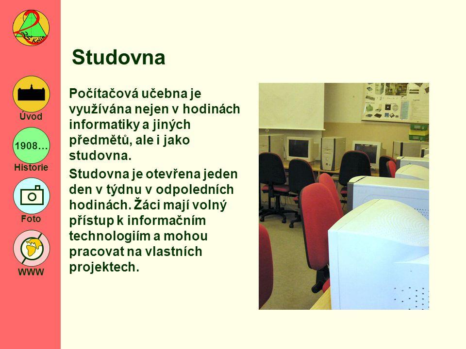 Studovna Počítačová učebna je využívána nejen v hodinách informatiky a jiných předmětů, ale i jako studovna.