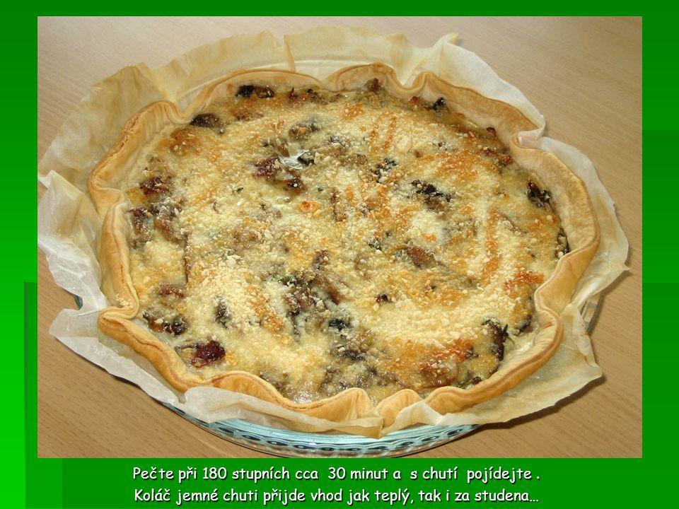 Houbový koláč s parmezánem