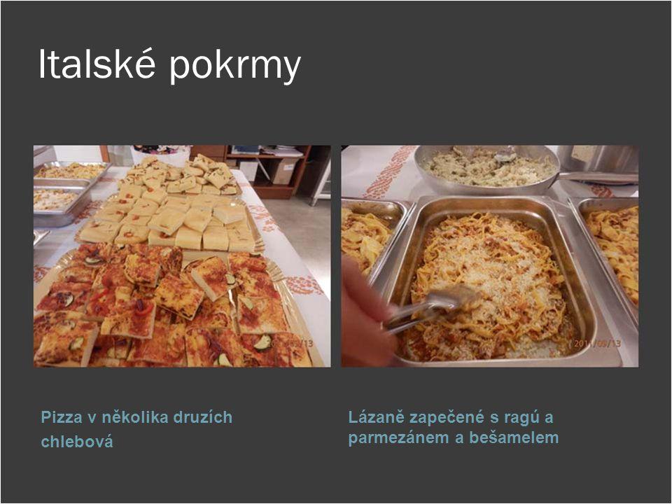 Italské pokrmy Pizza v několika druzích chlebová