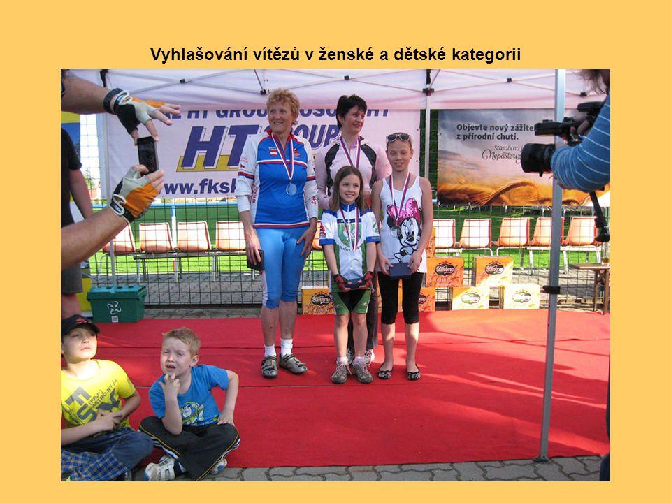 Vyhlašování vítězů v ženské a dětské kategorii