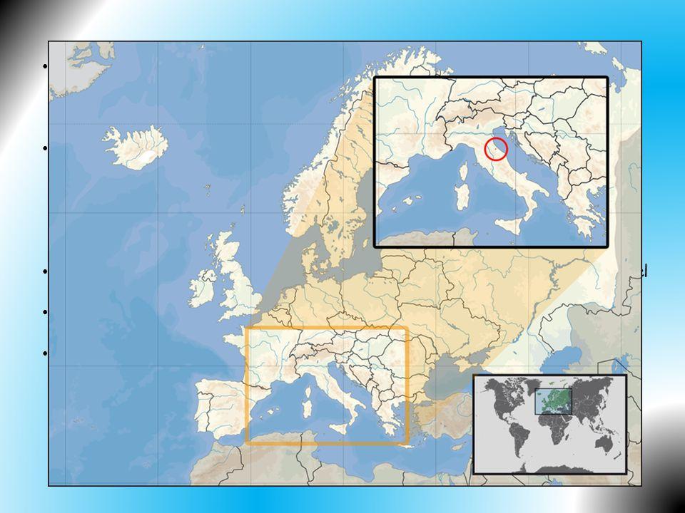 San Marino je pravděpodobně nejstarší stále existující republikou na světě. Bylo údajně založeno v roce 301 zkušeným budovatelem označovaným jako St. Marinus (oficiálně se jako den založení udává 3. září. Stalo se legální součástí Římské říše.