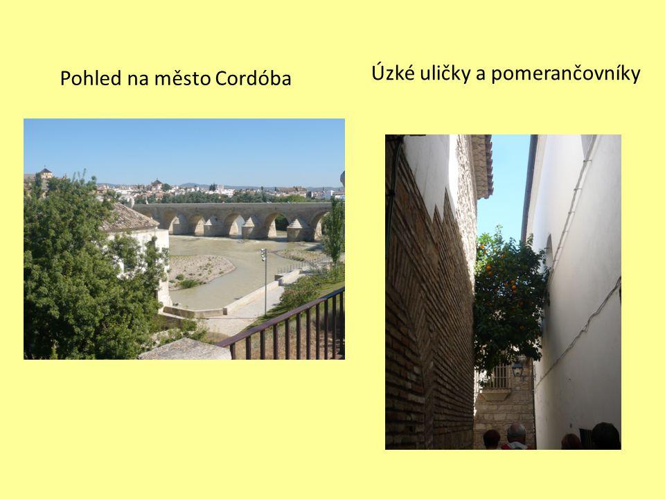 Úzké uličky a pomerančovníky Pohled na město Cordóba