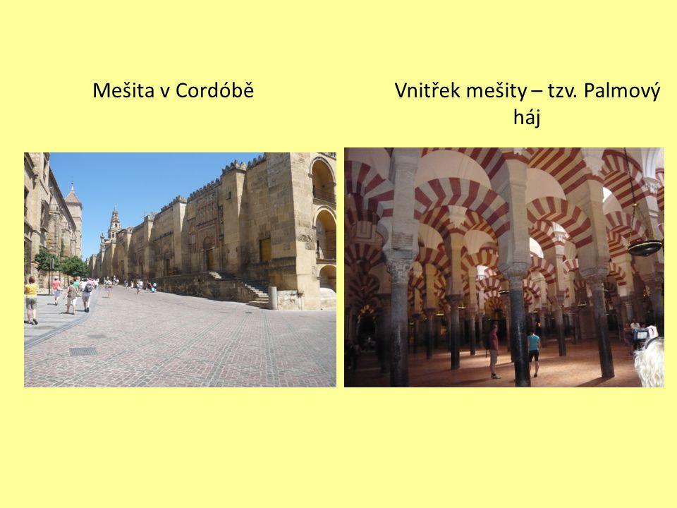 Vnitřek mešity – tzv. Palmový háj