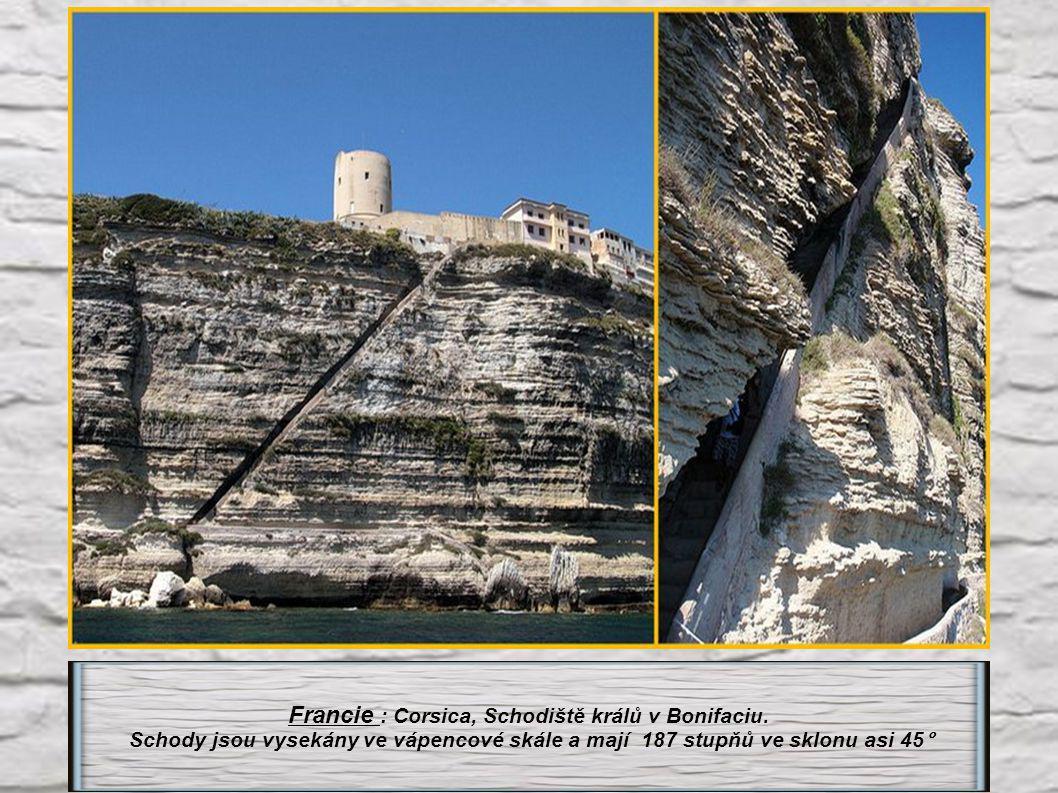 Francie : Corsica, Schodiště králů v Bonifaciu.