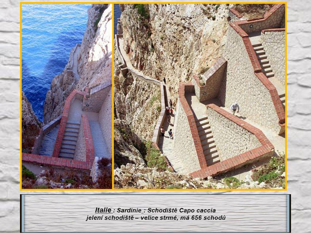 Italie : Sardinie : Schodiště Capo caccia
