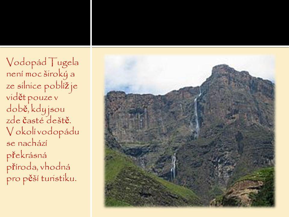 Vodopád Tugela není moc široký a ze silnice poblíž je vidět pouze v době, kdy jsou zde časté deště.