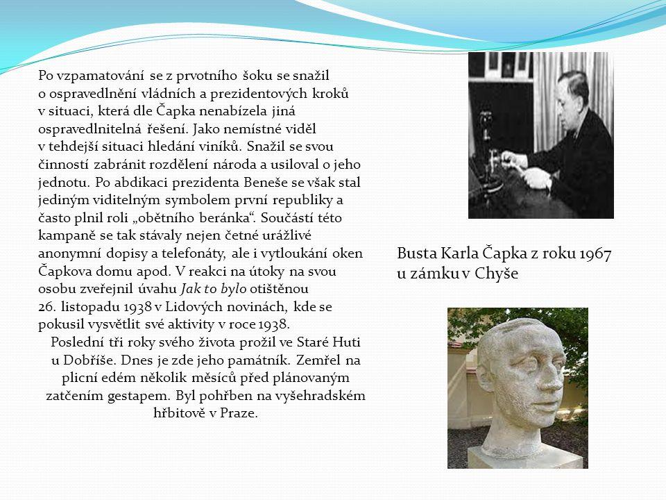 Busta Karla Čapka z roku 1967 u zámku v Chyše