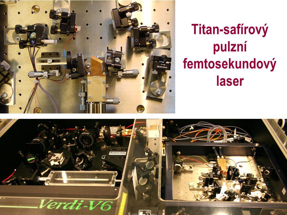 Titan-safírový pulzní femtosekundový laser
