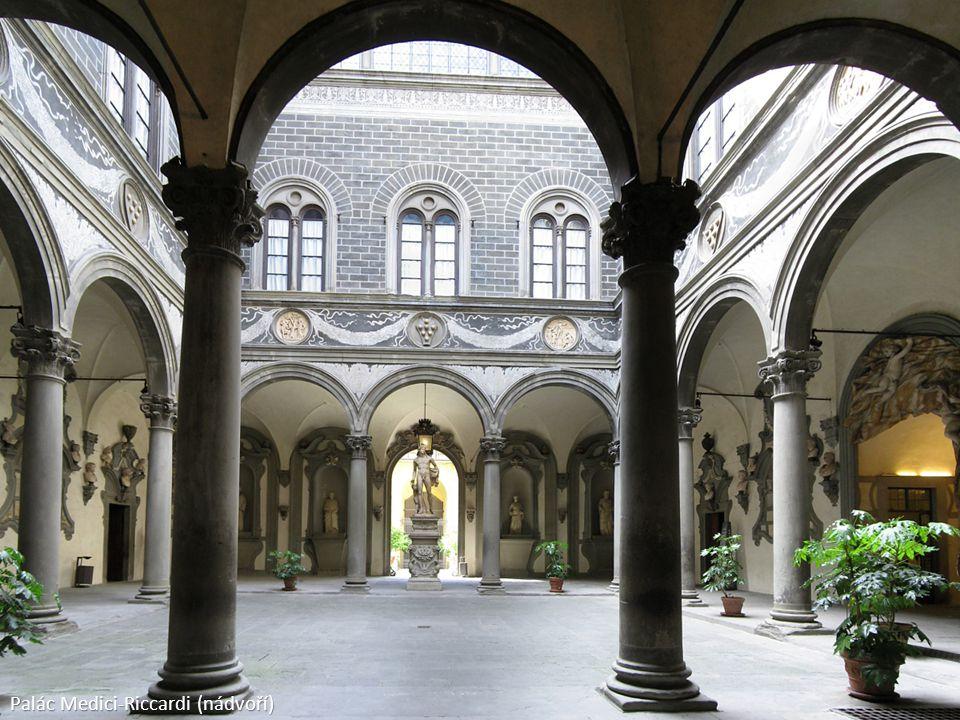 Palác Medici-Riccardi (nádvoří)
