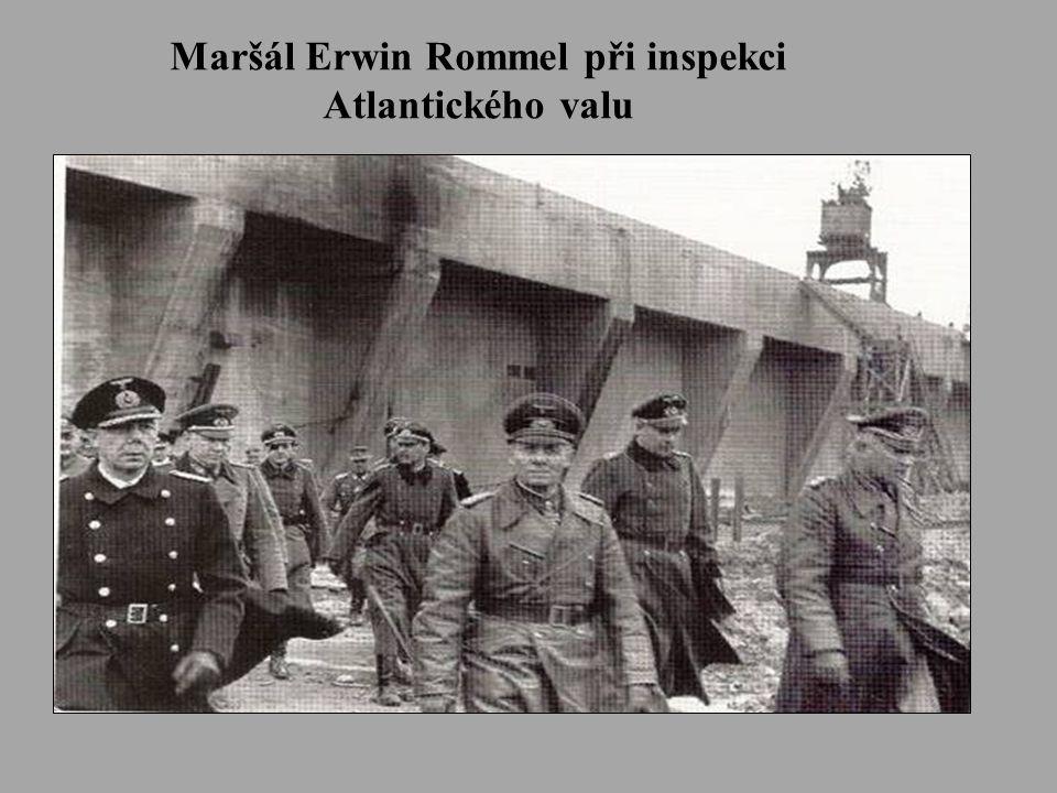 Maršál Erwin Rommel při inspekci Atlantického valu