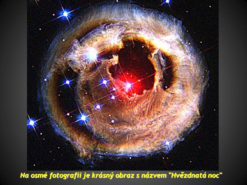 Na osmé fotografii je krásný obraz s názvem Hvězdnatá noc