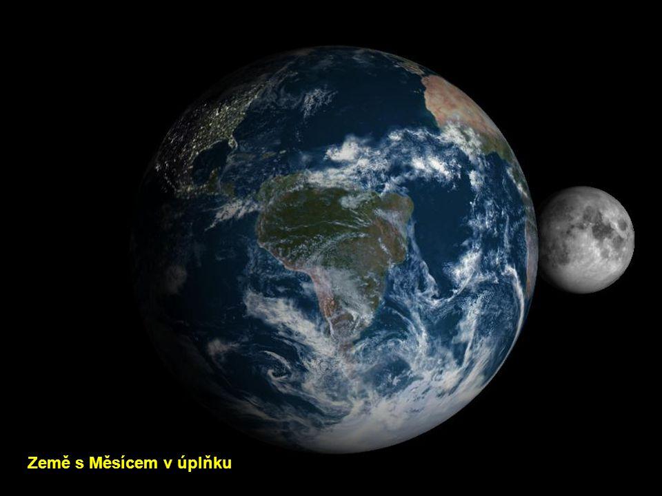 Země s Měsícem v úplňku
