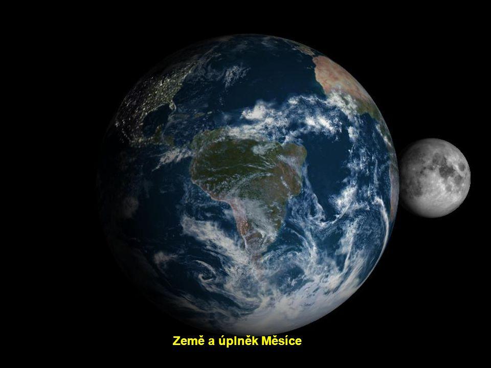 Země a úplněk Měsíce