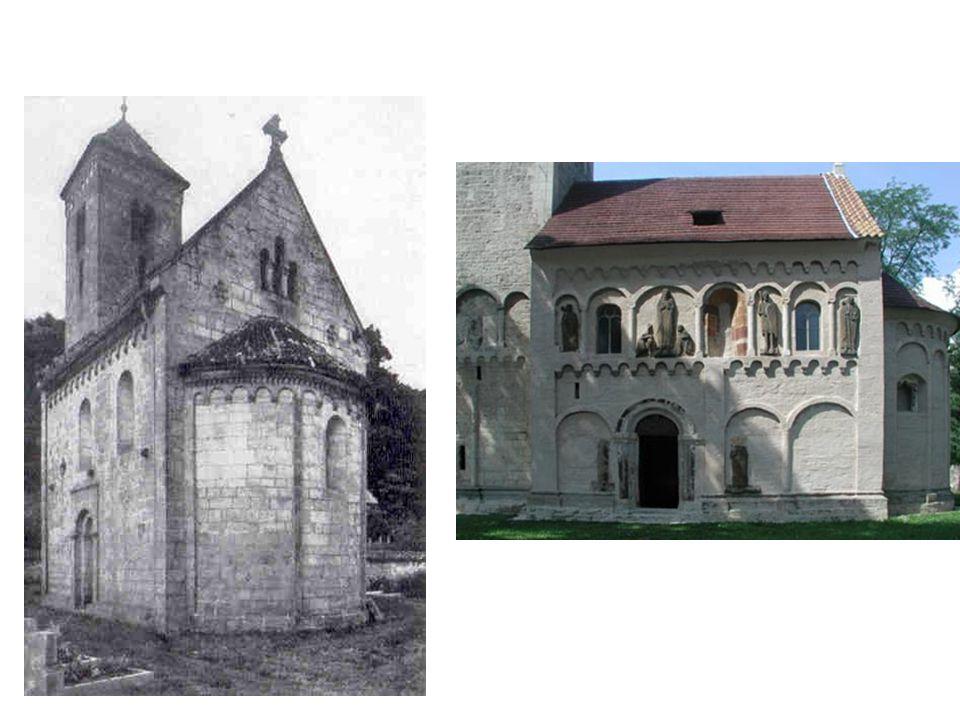 2 kostely v Čechách jako příklad vnějšího členění fasády: