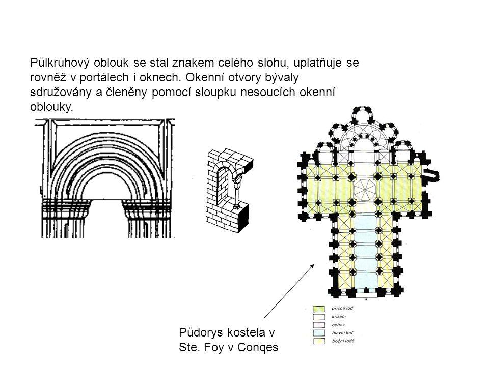 Půlkruhový oblouk se stal znakem celého slohu, uplatňuje se rovněž v portálech i oknech. Okenní otvory bývaly sdružovány a členěny pomocí sloupku nesoucích okenní oblouky.