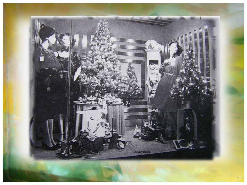 Foto roku 1974 – výlohy byly pod politickým dohledem v duchu