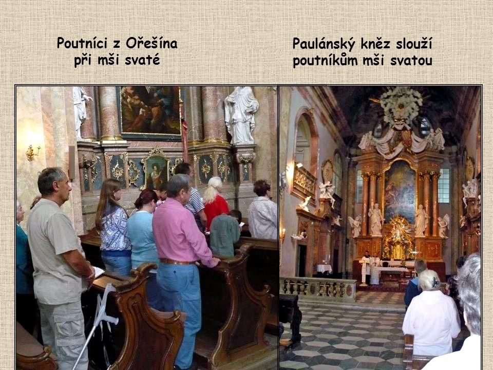 Poutníci z Ořešína při mši svaté