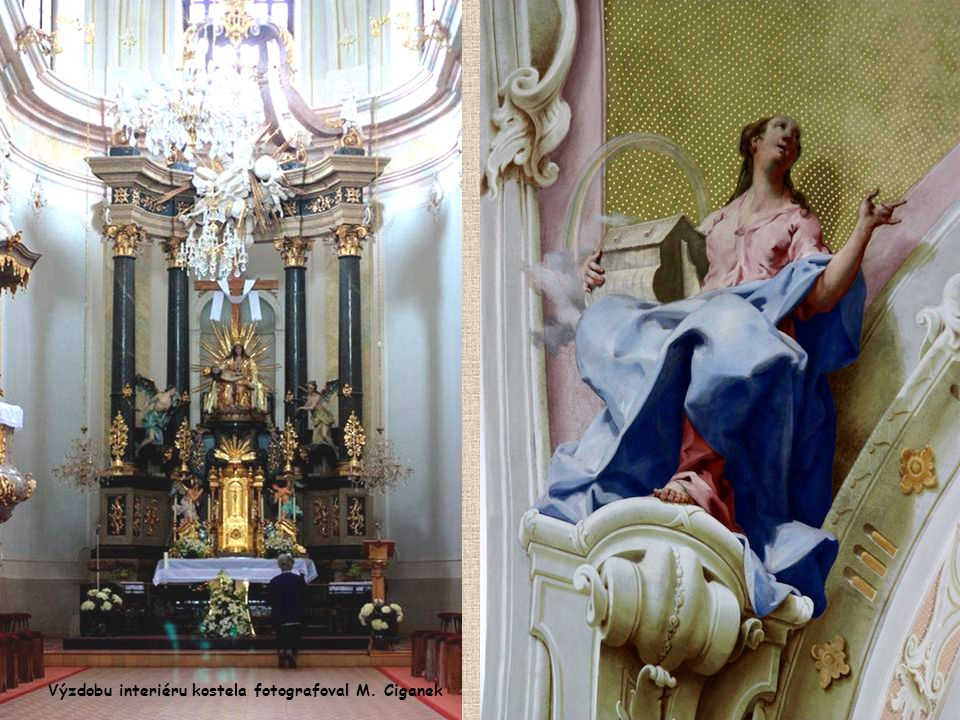 Výzdobu interiéru kostela fotografoval M. Ciganek