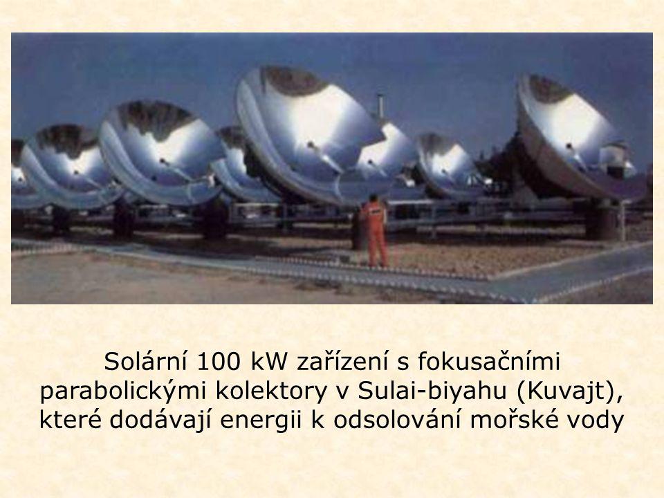 Solární 100 kW zařízení s fokusačními parabolickými kolektory v Sulai-biyahu (Kuvajt), které dodávají energii k odsolování mořské vody