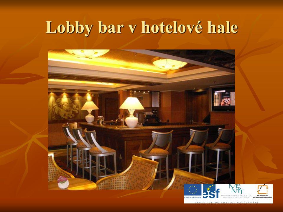 Lobby bar v hotelové hale