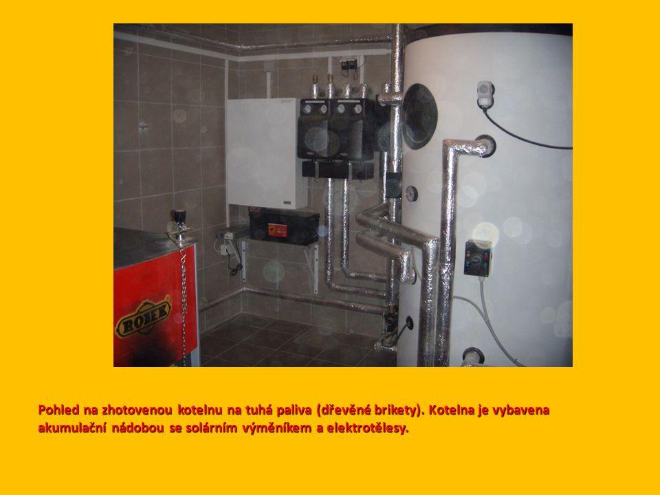 Pohled na zhotovenou kotelnu na tuhá paliva (dřevěné brikety)