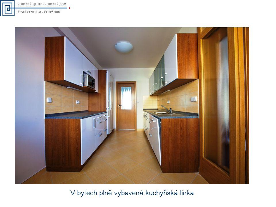 V bytech plně vybavená kuchyňská linka
