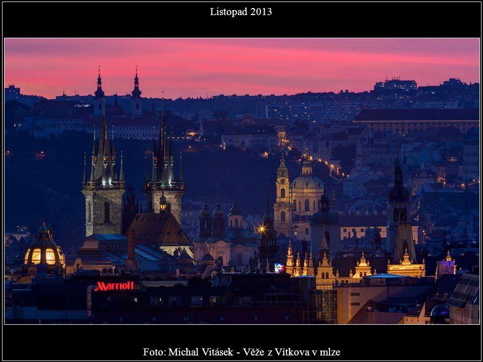 Foto: Michal Vitásek - Věže z Vítkova v mlze