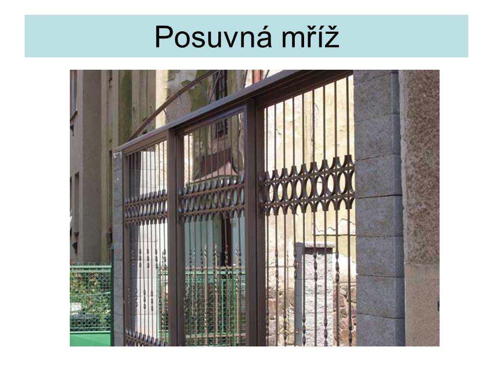 Posuvná mříž