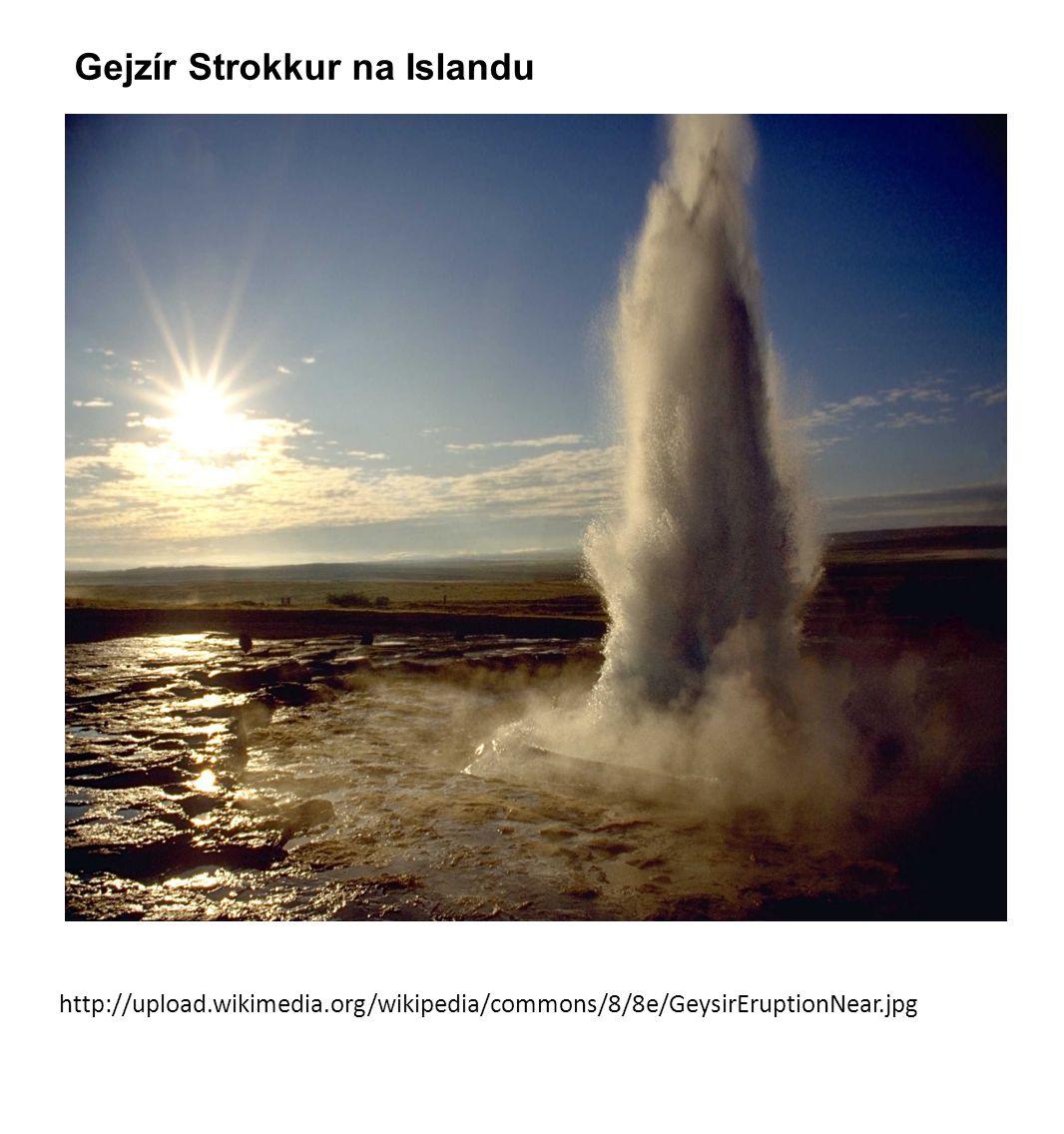 Gejzír Strokkur na Islandu