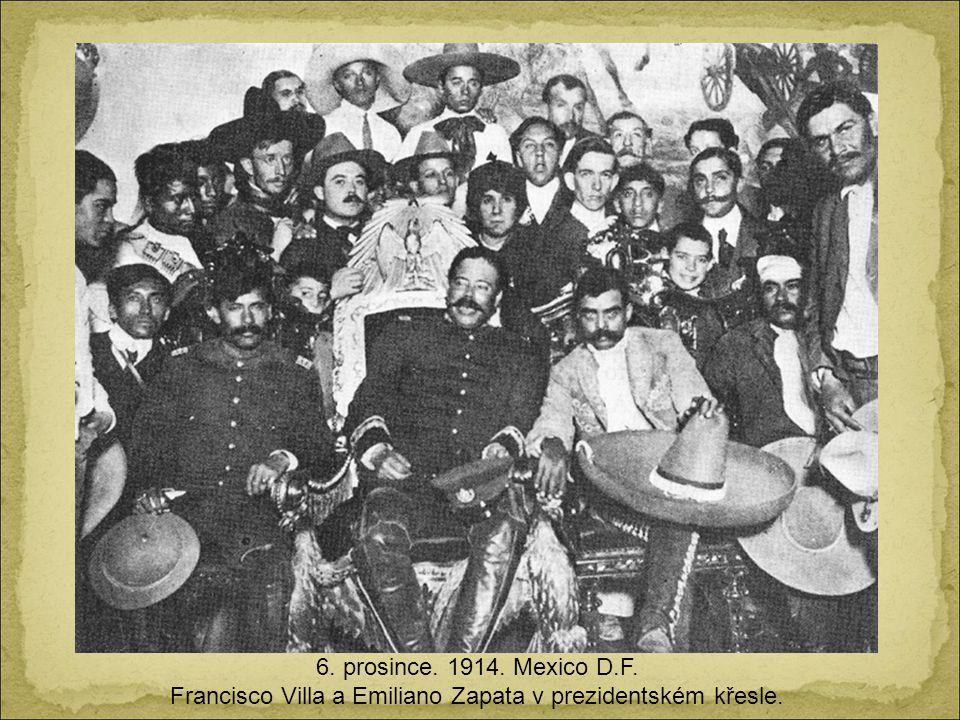 Francisco Villa a Emiliano Zapata v prezidentském křesle.