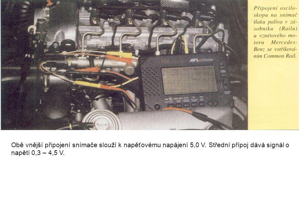 Obě vnější připojení snímače slouží k napěťovému napájení 5,0 V