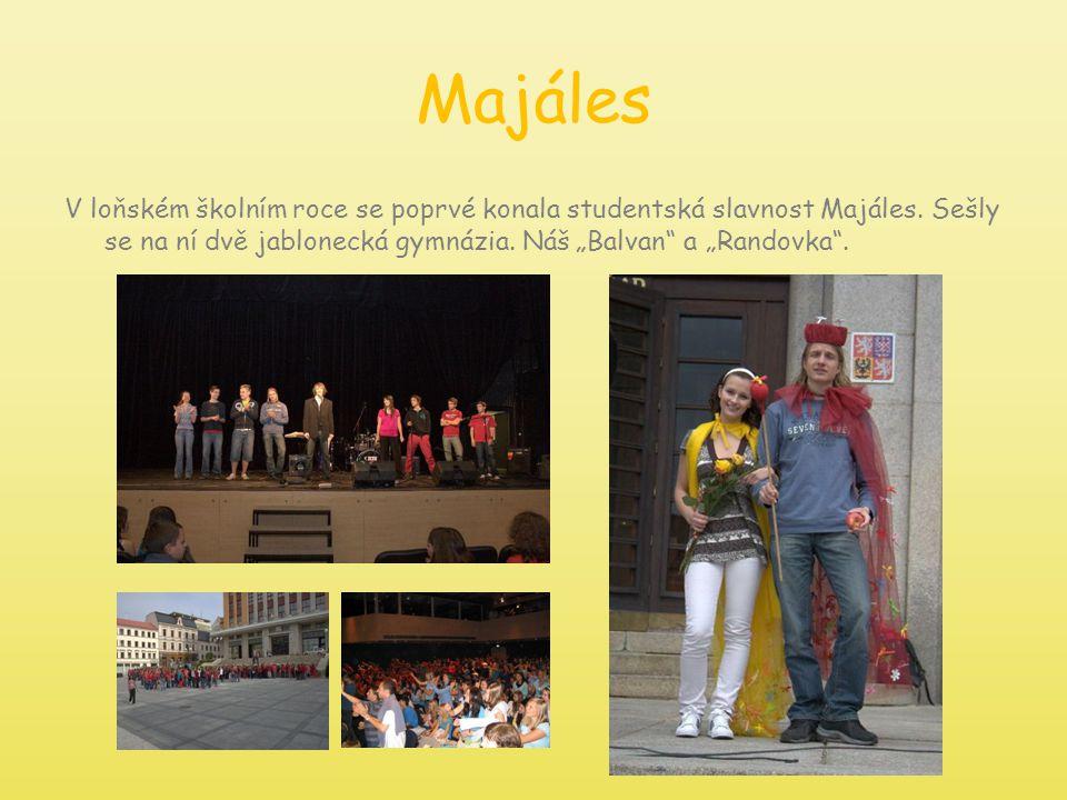 Majáles V loňském školním roce se poprvé konala studentská slavnost Majáles.