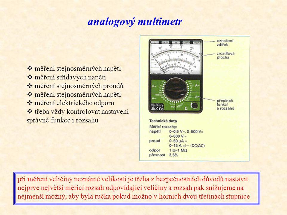 analogový multimetr měření stejnosměrných napětí